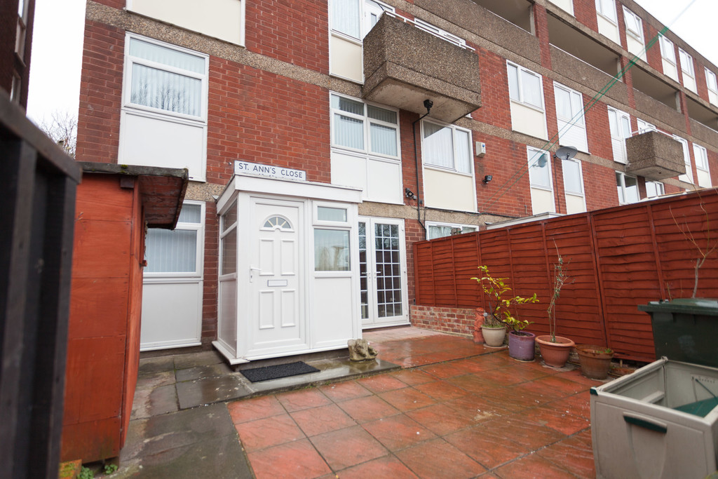 1 bedroom One room in shared house